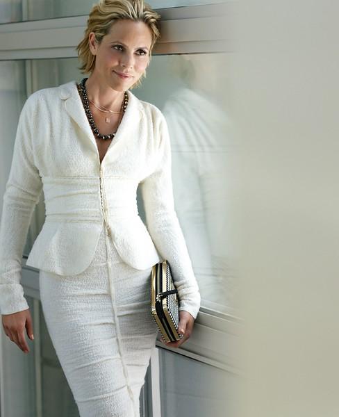 stylist-jennifer-hitzges-magazine-fashion-lifestyle-creative-space-artists-management-30.jpg
