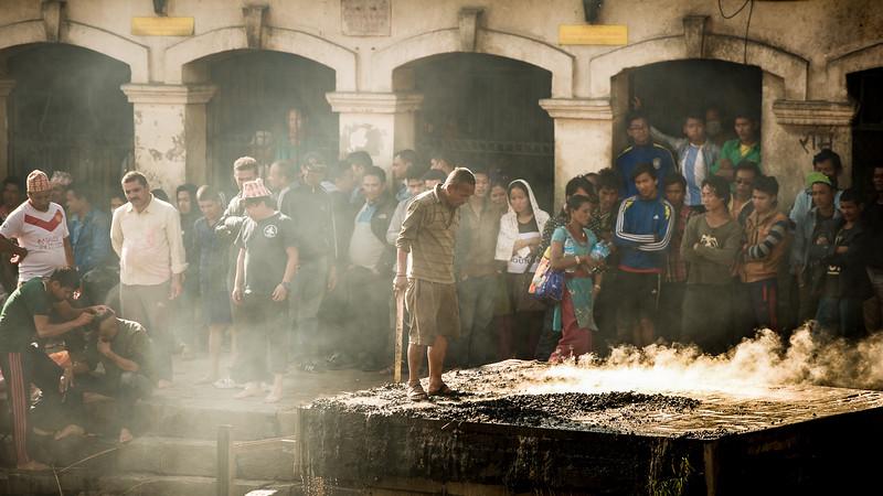 nepal kathmandu temple hindu cremate shrine-1.jpg