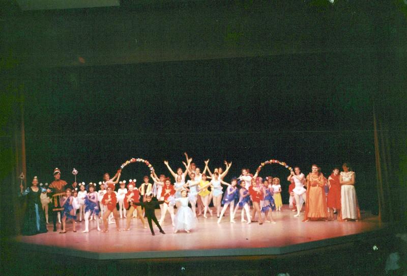 Dance_0352_a.jpg