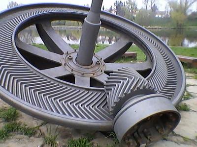 Huge, gears, shafts, pistons, whatever