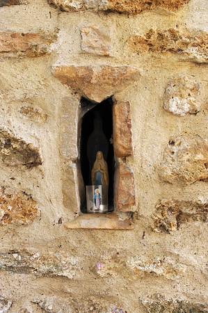 La grotte miraculeuse de Sainte Geneviève des Bois (91)