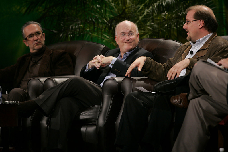 """Hotspots II"": (L-R) Ricardo Salinas, Grupo Salinas; Don Jones, QUALCOMM; and Simon Hackett, Internode"