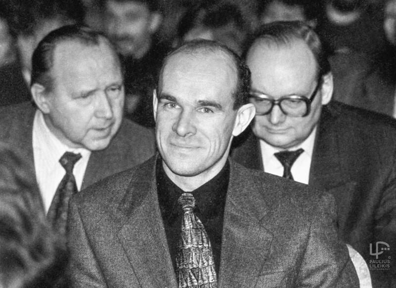 Hubertas Grušnys.Antram plane Domijonas Šniukas ir Česlovas Juršėnas 1995.11.2