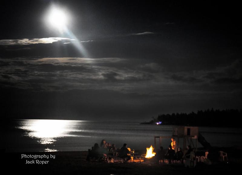 Moon-Bob Fire Macinack. .jpg