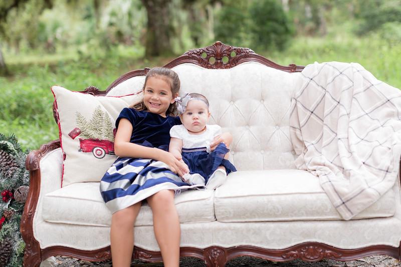 Holiday Minis- Scarth Family-30.jpg