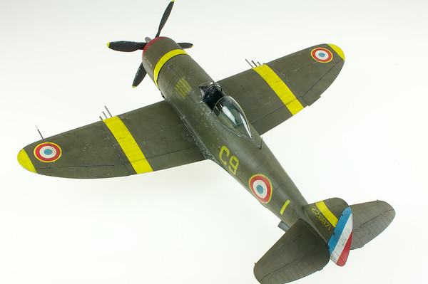 1/32 Trumpeter P-47D-27 GC I/5 Free French Jug