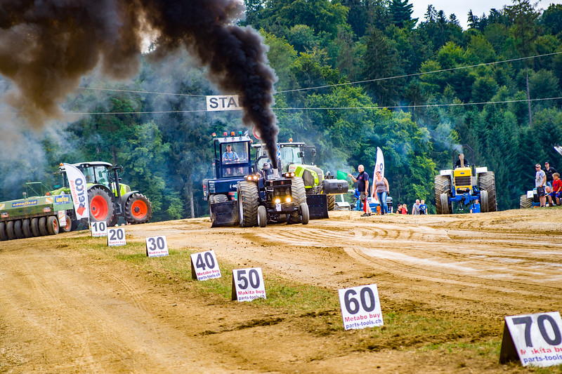 Tractor Pulling 2015-02488.jpg
