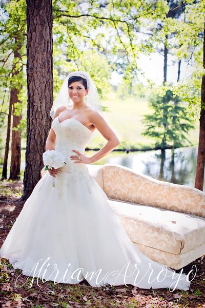 Love Story:{Hannah's Bridals}