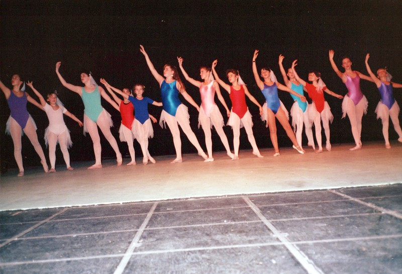 Dance_1360_a.jpg