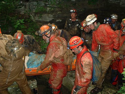 National Cave Rescue Commission Training June 2004