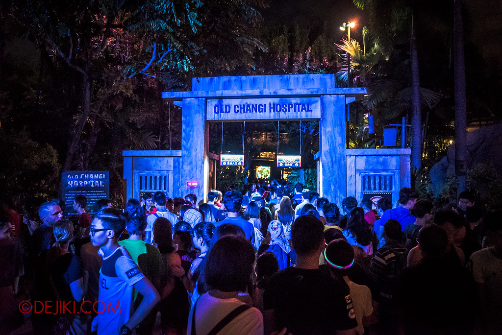 Halloween Horror Nights 6 - RIP Tour review / massive long lines at Old Changi Hospital queue