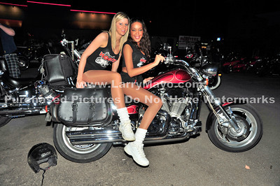 2010 Hooters Bike Night March