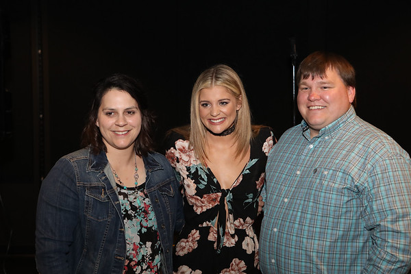 Lauren Alaina Meet & Greet
