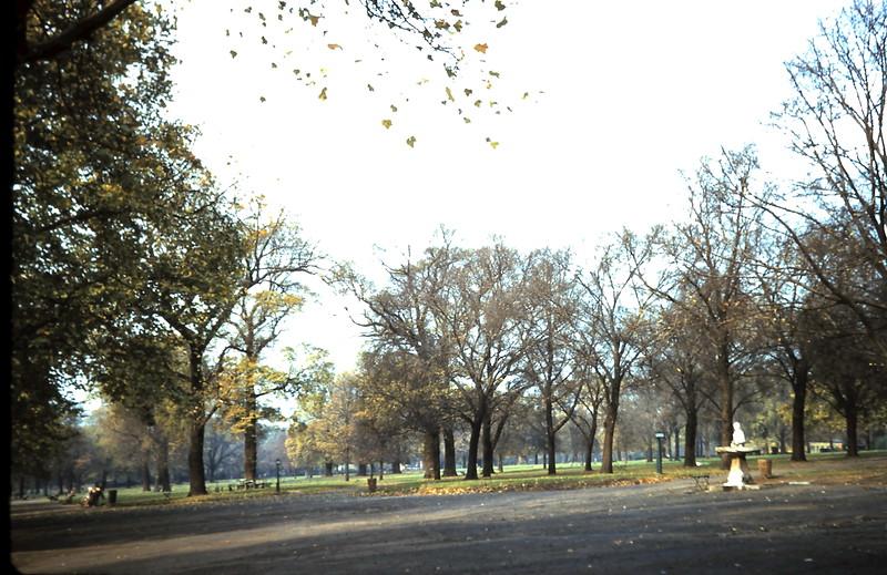 1959-11-1 (2) Ryde Park, London.JPG