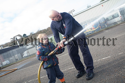 Sean McElroy is pictured with Cormac a Primary 1 pupil from Dromintee PS. R1609006