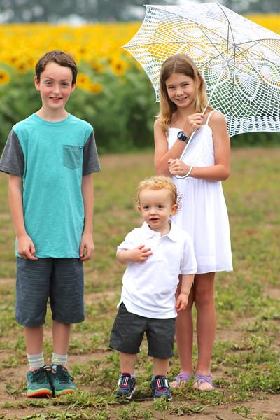 FamilySunflowers_ 64.jpg