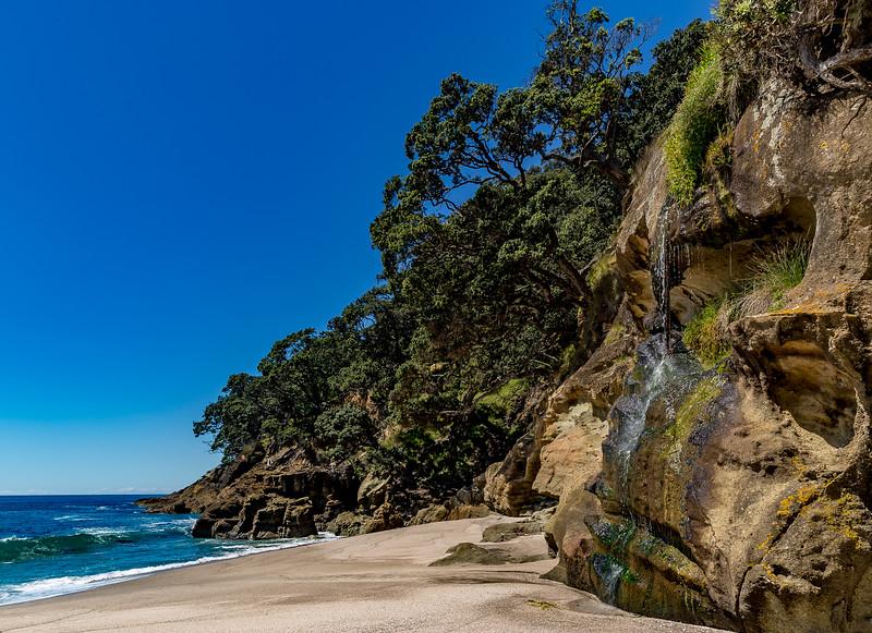 Wasserfall an der Homunga Beach