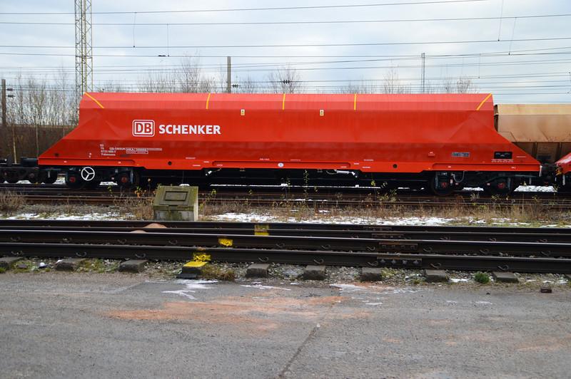 New refurbished  HKA  82706723666-7 / 300666 seen at Warrington Arpley yard  29/12/14.