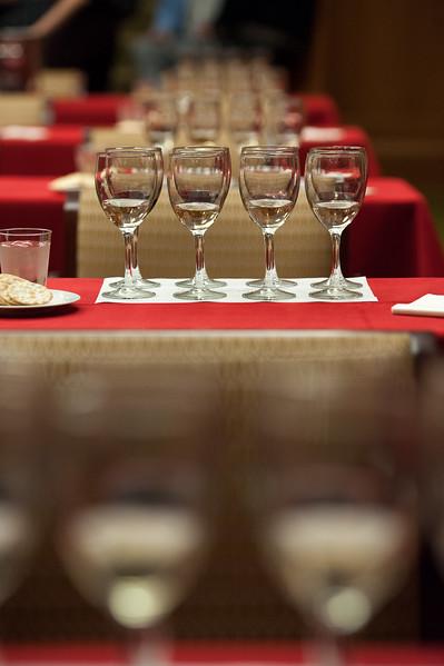alumni_wine_tasting_011.jpg