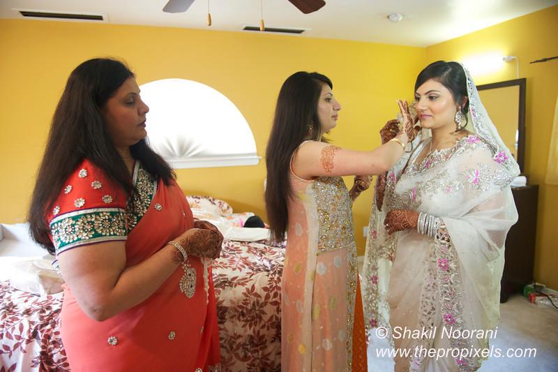 Naziya-Wedding-2013-06-08-01757.JPG