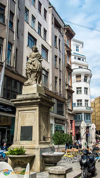 Budapest-07079.jpg