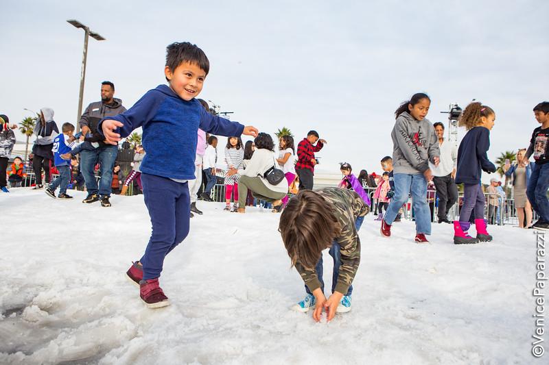 Beach Winter Wonderland at Dockweiler Youth Center. Photo by Venice Paparazzi