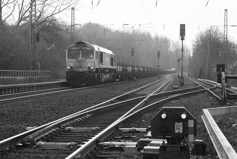 Captrain 6601 with the aluminum slab train 48515 (Kinkempois/B - Nievenheim) in Kohlscheid.