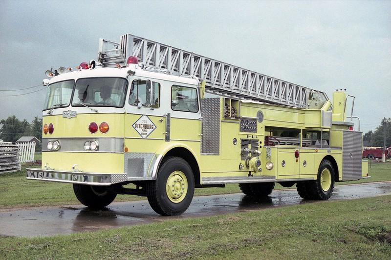 FITCHBURG FD PIRSCH TRUCK AT MONROE FIRE SCHOOL PARADE.jpg