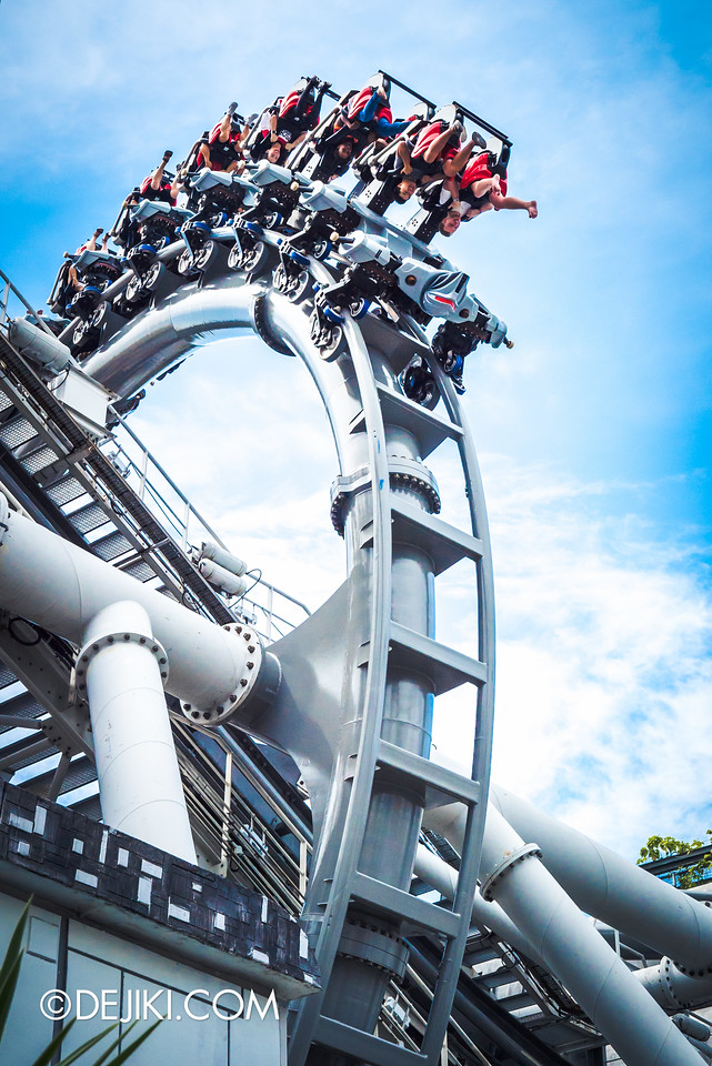 Universal Studios Singapore - Park Update September 2016 / Battlestar Galactica vertical loop grey