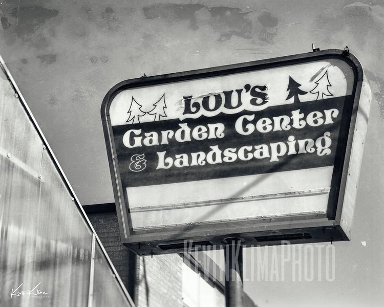 Lou's Garden Center & Landscaping
