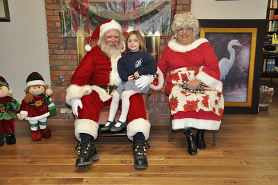 2012-12-12 Santa comes to St. Angela!
