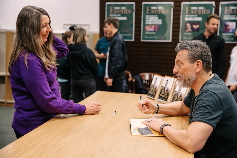 2019_2_28_TWOTW_BookSigning_SP_324.jpg