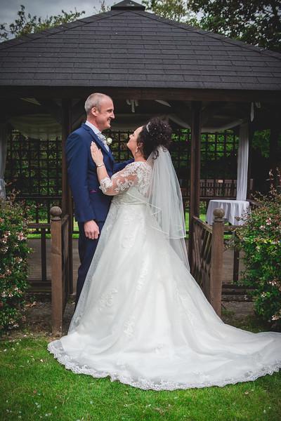 Mr & Mrs Wallington-518.jpg