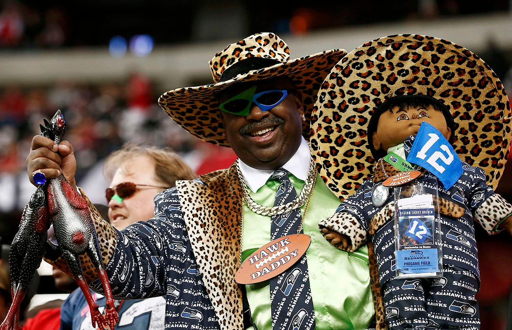 . A Seattle Seahawks fan waits in the stands before the NFL NFC Divisional playoff football game between the Atlanta Falcons and the Seattle Seahawks in Atlanta, Georgia January 13, 2013. REUTERS/Chris Keane