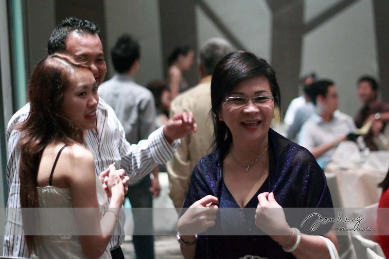 Siong Loong & Siew Leng Wedding_2009-09-26_0332.jpg