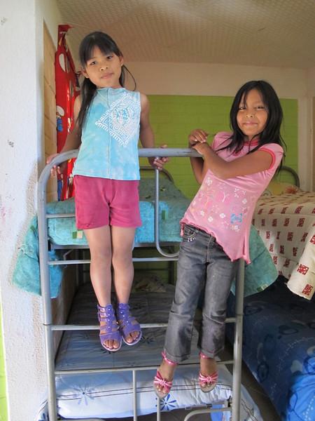 Niñas trabajadoras albergadas en el Albergue de La Libelula - copia.jpg