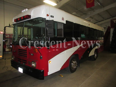 04-19-16 NEWS Hicksville bus