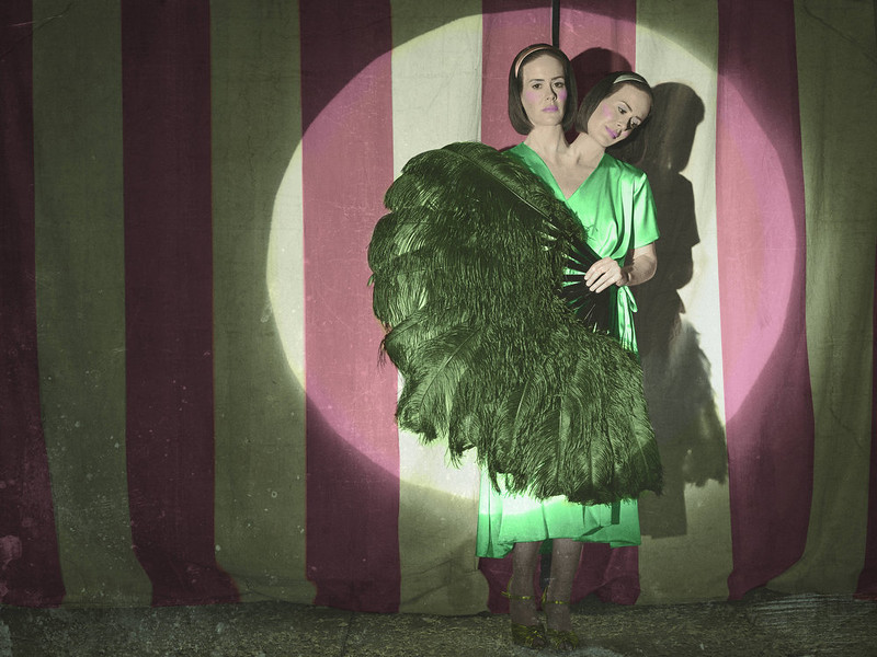 """. Sarah Paulson as Bette and Dot Tattler in FX\'s \""""American Horror Story.\"""" (Photo by Frank Ockenfels/FX)"""