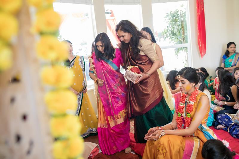 Hina_Pithi_Pooja-236.jpg