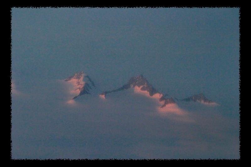 C102-IMG_1971 Greenland Peaks.jpg