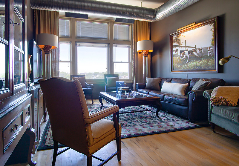 Living Room - West 1 - DSC04761_web_re-edit.jpg