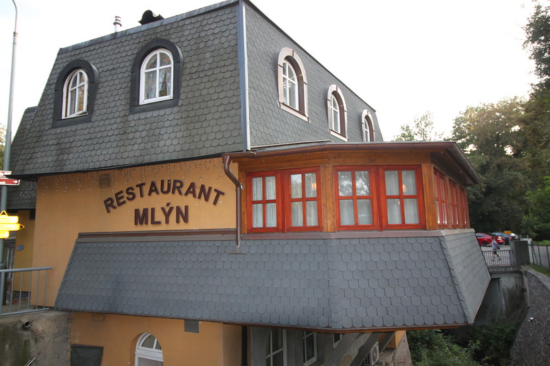 Restaurant Chorvatský Mlýn 7km Buses 316 356