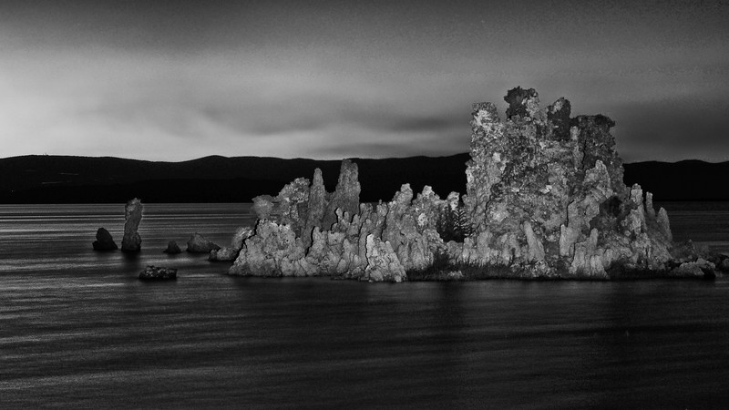 Mono lake South Tufa 11BW.jpg