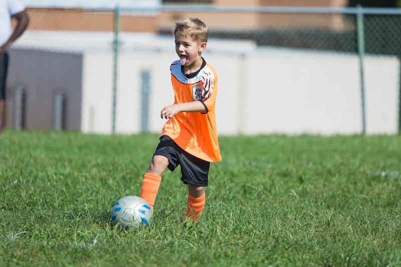 gabe fall soccer 2018 game 2-194.jpg