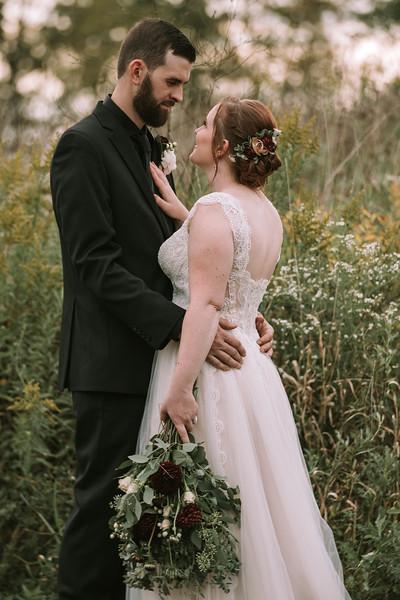 rustic_ohio__fall_barn_wedding-303.jpg