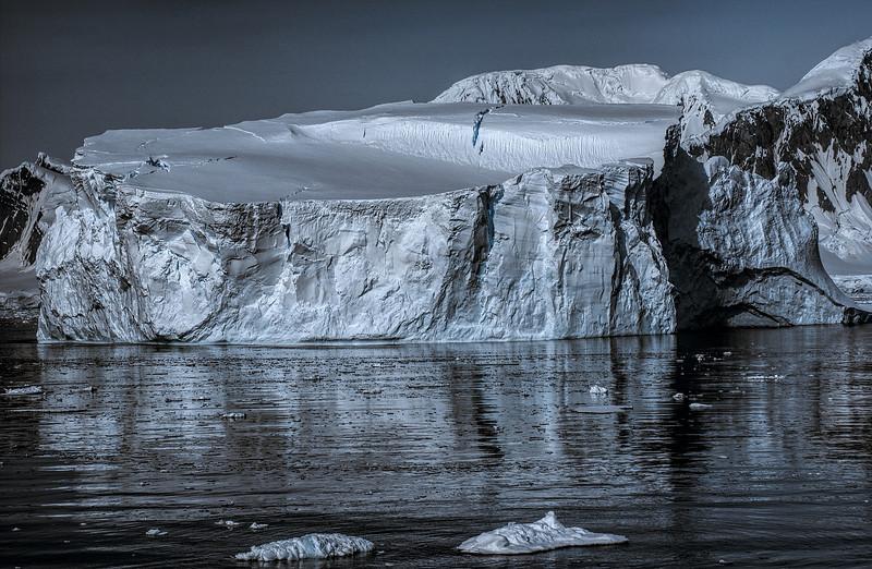 crossing antarctic circle 69-Edit.JPG