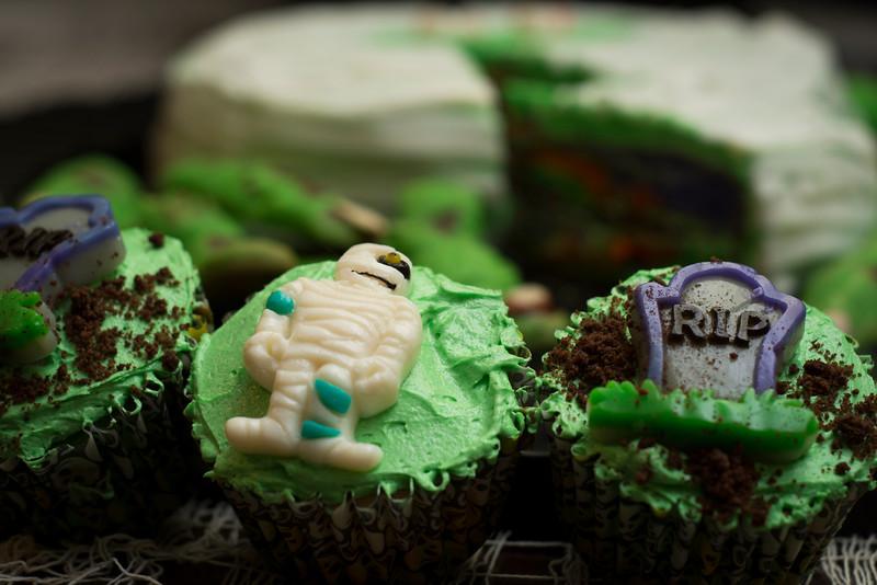 mummy cupcake_.jpg