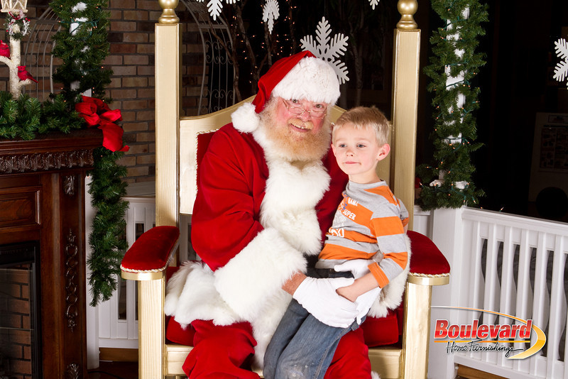 Santa Dec 8-250.jpg
