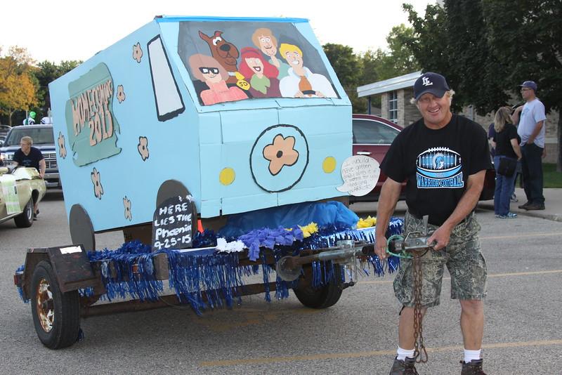 HC Friday Jr float Kruse.JPG