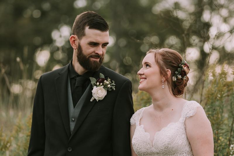 rustic_ohio__fall_barn_wedding-296.jpg